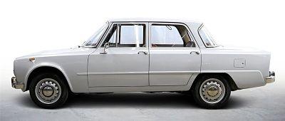 Top 10 affordable classic cars blog - alfa romeo giulia
