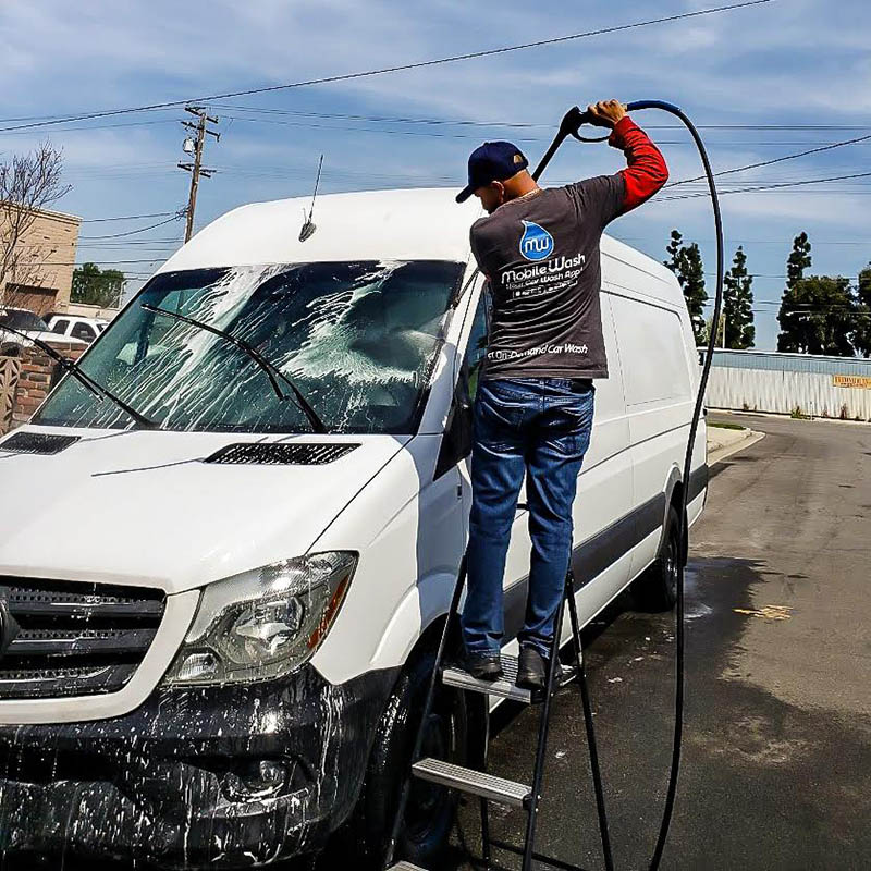 Get a Mobile Wash in Los Angeles Right Away
